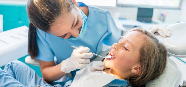 Dlaczego zęby polskich dzieci są wtakopłakanym stanie?